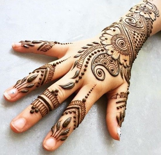 backhan with arm easy mehndi design step 2