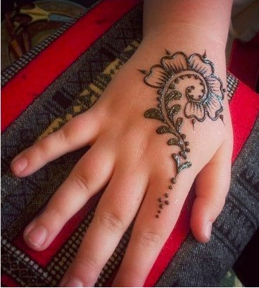 baby girl henna mehndi designs