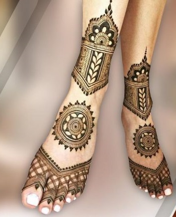 floral Arabic feet mehndi designs easy