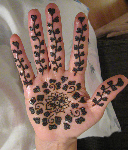 simple-mehndi-designs-for-kids
